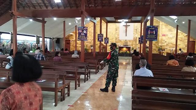 Babinsa Koramil Ceper Lakukan Penegakan Disiplin Protokol Kesehatan Di Tempat Ibadah