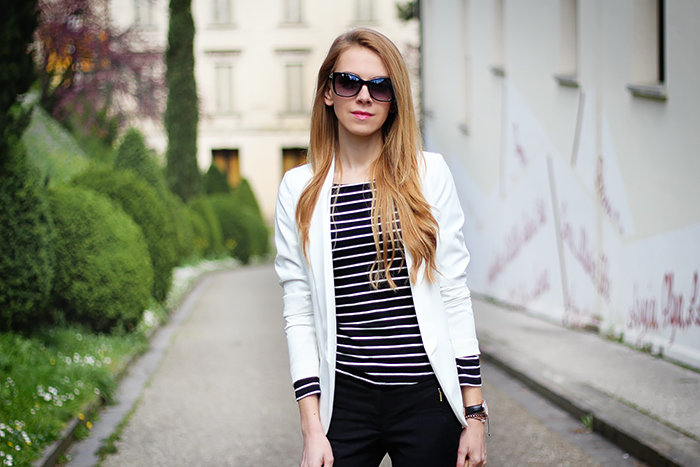 striped top, black and white outfit, spring