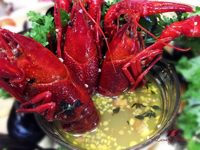 emerald whole crawfish in garlic butter wine sauce