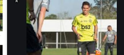 Cuéllar treina entre os titulares; Flamengo é alvo de foguetório na madrugada