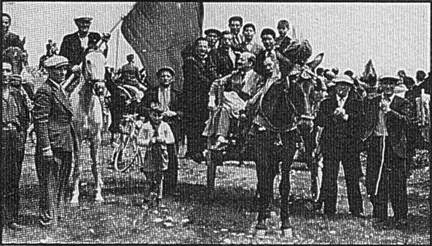 Movie Ramble  Salvatore Giuliano  Celebrations at Portella della Ginestra before these people were massacred