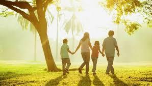 Puisi dengan Tema Keluarga