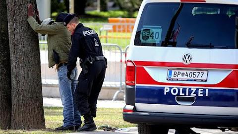 Elfogtak egy magyar férfit Ausztriában, 22 elfogatóparancs volt érvényben ellene
