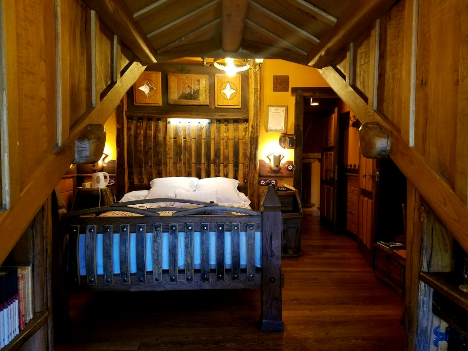 Deluxe accommodations in Molinesca welcomes the tired pilgrim traveling with Authentic Journeys. Photo:  © Lisa Foradori.