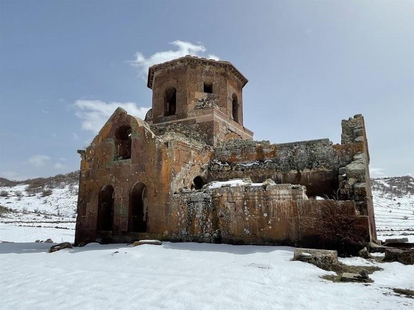 Με την ανοχή της Άγκυρας, η βεβήλωση της «Κόκκινης Εκκλησίας» στην Καππαδοκία