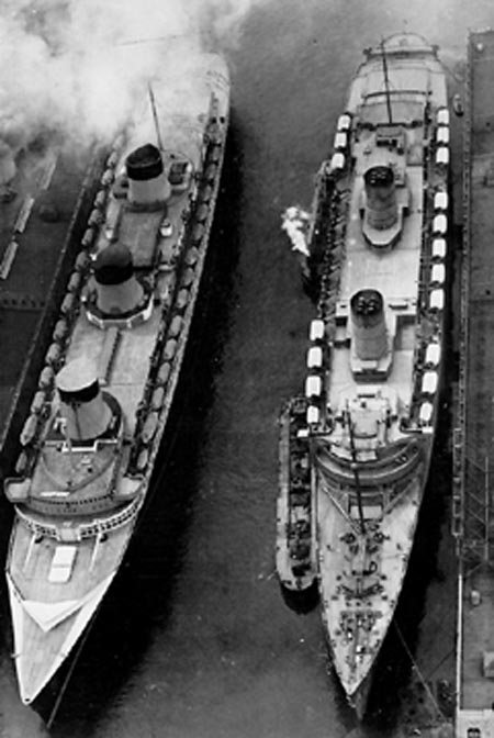 13 November 1940 worldwartwo.filminspector.com SS Normandie SS Queen Elizabeth