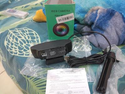 Isi Kemasan Terdiri dari Webcam, Tripod dan Petunjuk