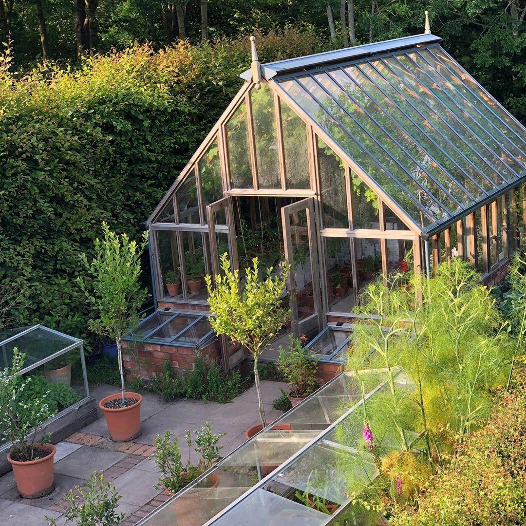 invernaderos en Longmeadow, el jardín de Monty Don