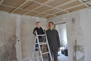 Christkind + Max auf der Baustelle