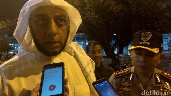 7 Fakta Syekh Ali Jaber Ditusuk Orang Tak Dikenal di Lampung