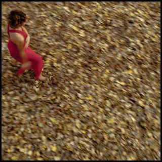 Zdjęcie z serii Dancers II opublikowanej w kwartalniku artystyczno-literackim Szafa. Portret tancerki w ruchu. fot. Łukasz Cyrus