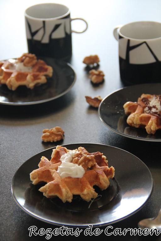 Gofres de café y nueces caramelizadas #ElPoderDel3.