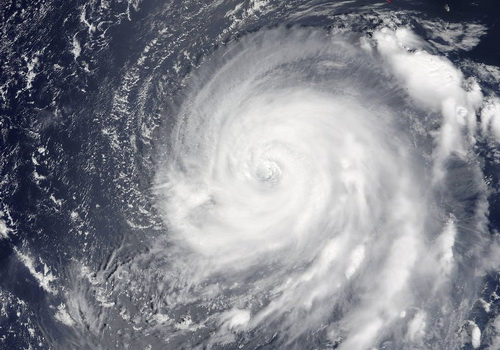 Tinuku.com Astronauts recorded giant Noru hurricane from space