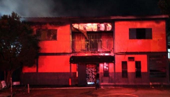 Garotas de programa se revoltam e incendeiam 'zona' em Mato Grosso do Sul