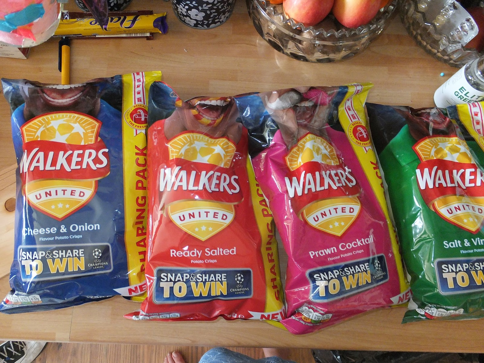 Easter gift guide 2017 get everyone round this easter weekend to enjoy the new sharing packs from walkers we all love a tasty snack in front of a movie or a big game negle Choice Image