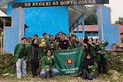 BEM UNSA Makassar Baksos dalam Bentuk Sosialisasi Pendidikan dan Penghijauan
