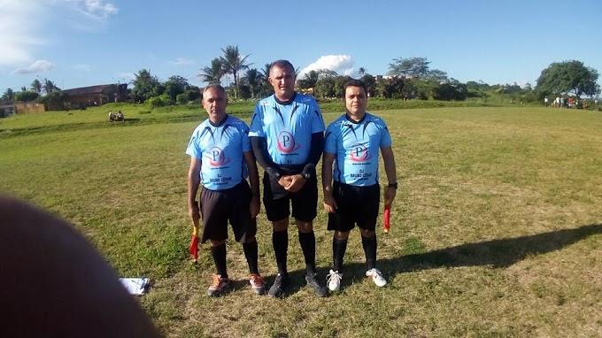 Arbitragem de Umbuzeiro é destaque nos campos de futebol da região