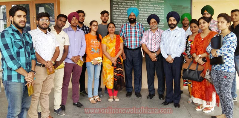 GGNIMT Director, Principle and others faculty members with successful students who got Placement in leading organizations