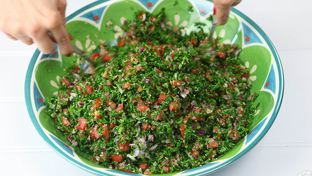 Learn to Make Tabbouleh Salad Just Like a Lebanese!