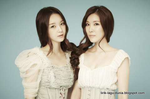Davichi - Lee Hae-Ri dan Kang Min-Kyung