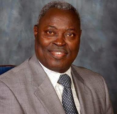 Pastor Kumuyi of Deeper Life denies banning Ipads & phones in his church