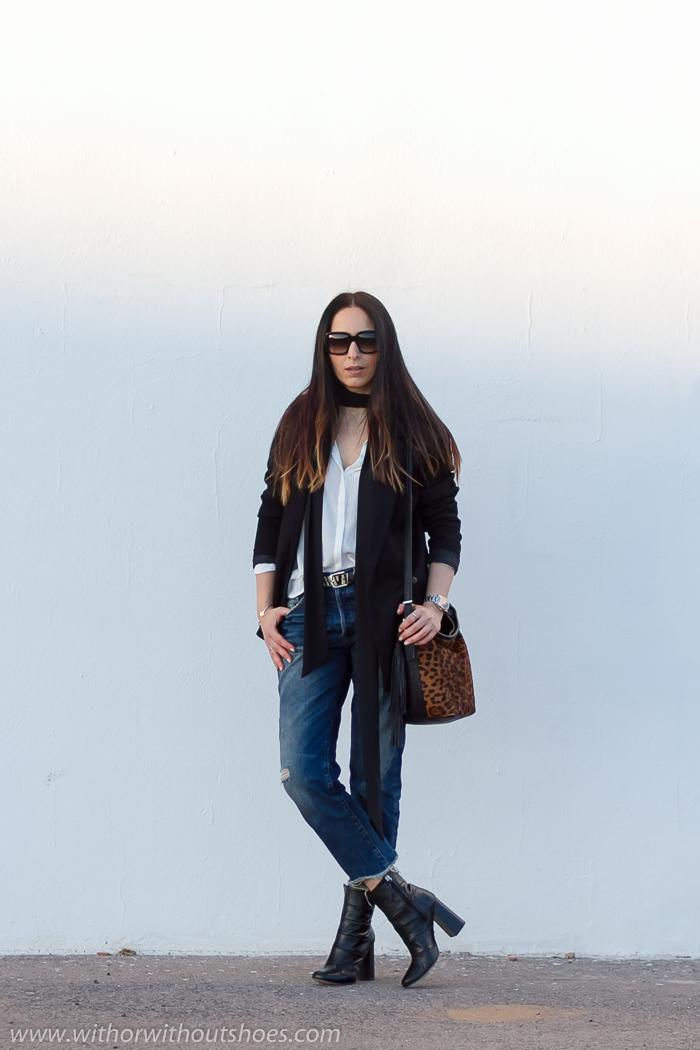 Bloguera de moda de Valencia Espana con look con pantalones vaqueros comodo y con estilo