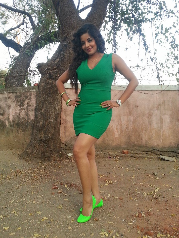 Monalisa Deshi Look