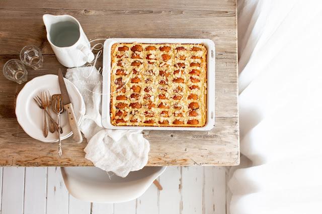 aprikosenblechkuchen, blechkuchen, aprikose, kuchen, sommerkuchen, backen, emmeküche, gwiegabriela