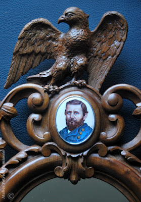 American Civil War ovale frame with bald eagle | A miniature with General Ulysses Grant