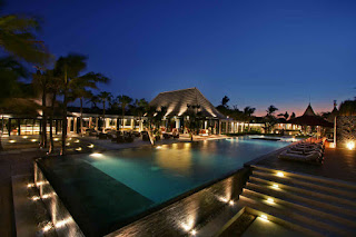 Job Vacancy as Bartender at The Royal Santrian is Luxury Beach Villas