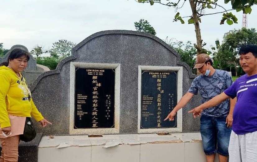Makam Kedua Ortunya Diancam Dihancurkan, Seorang Warga Ketrunan di Lampura Lapor Polisi