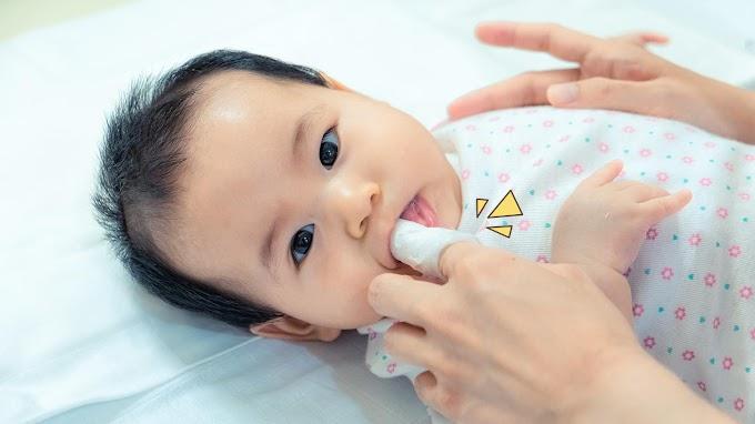 Cara Membersihkan Gigi Bayi dan Balita yang Benar