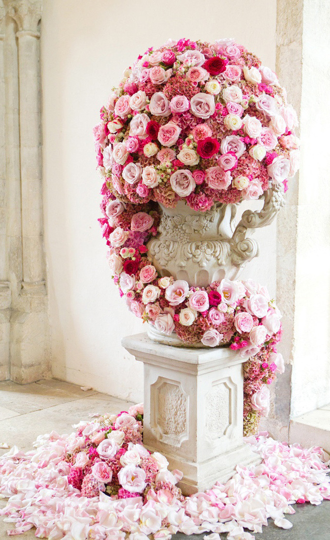 wedding ceremony flowers belle the magazine. Black Bedroom Furniture Sets. Home Design Ideas