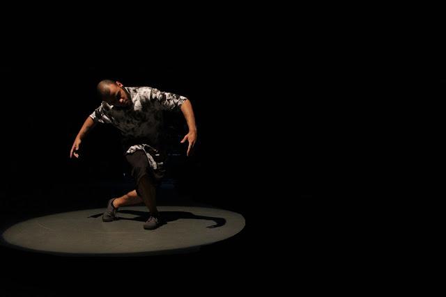 Grupo Zumb.boys participa da XI Mostra do Fomento à Dança com espetáculo Ladrão