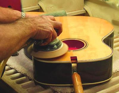 Mua đàn Guitar Acoustic chất lượng cần những tiêu chí nào