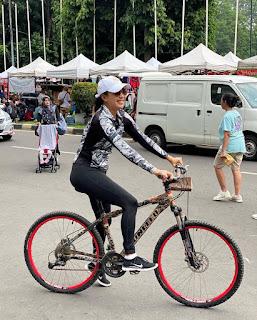 5 Seleb Tanah Air Ini Pilih Gowes Pakai Sepeda Gunung MTB Dibanding Sepeda Lain