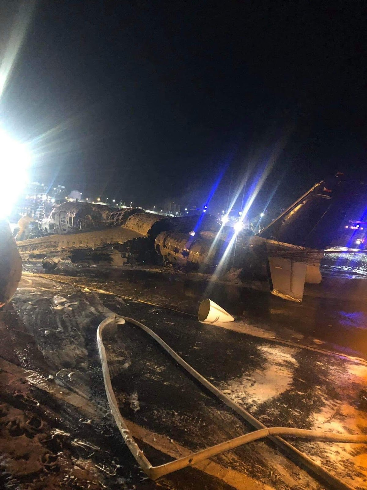 8 People Dead On A Plane Crash In Naia Miaa When In Taiwan