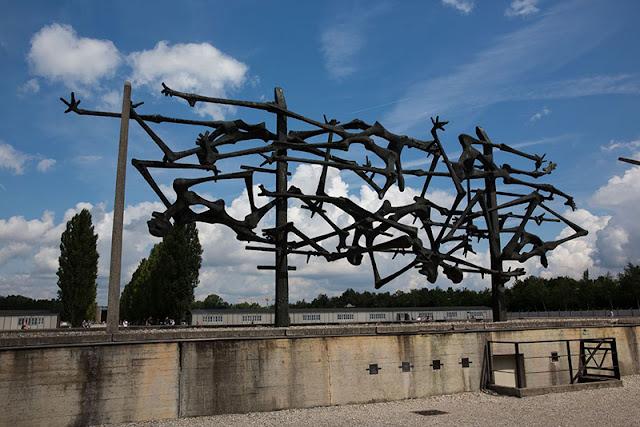 Obras em homenagem aos presos do campo de concentração de Dachau