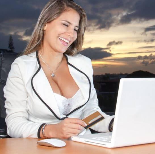 كيف تفوقت النساء على الرجال في سباق العمل