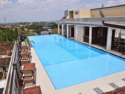 Pandanaran hotel yogyakarta ima 39 s stories for Jogja plaza hotel swimming pool