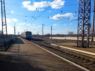 Посёлок Удачное. Грузо-пассажирская станция Удачная на линии Чаплино-Покровск