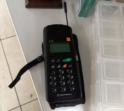 Motorola MR20 mobile phone from 1996