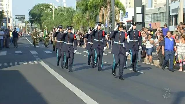 Desfile de 7 de setembro emociona, encanta e chama a atenção de rio-pretenses