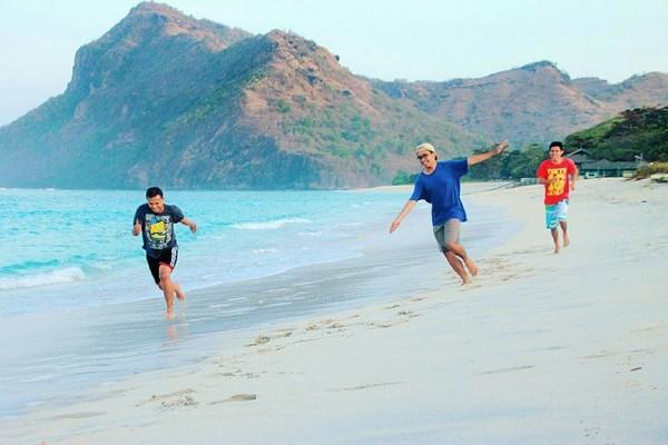 pantai pangandaran, pantai pangandaran jawa barat, foto indah pantai, foto pantai pangandaran