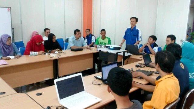 Relawan TIK Magelang Jualan Toko Online Gratis