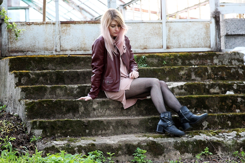 SimplyTheBest blog written and created by Ewa Sularz dress - Zara jacket - Pull&Bear tights - Gatta boots - Mango outfit style fashion blogger blog ootd look of the day pink hair rose gold
