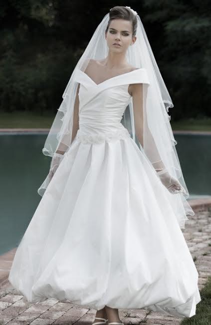 c078c45eddbc MERCATINO MICHELA BERGAMO  Abito da sposa stile anni 50 ...alla ...