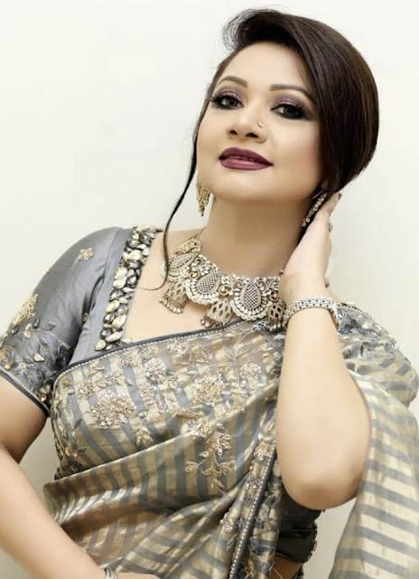 Singer akhi picture