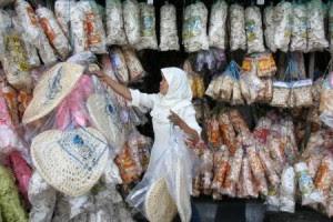 Bisnis Kerupuk Padang Pasir Omset 90 juta/bulan