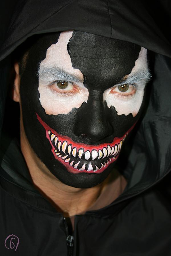Leonie's Muse: DIY Venom Face Painting